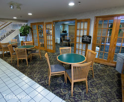 Breakfast Area at the GuestHouse Inn & Suites Nashville/Music Valley