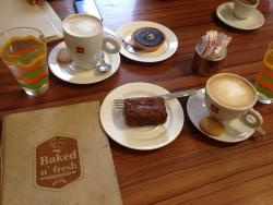Bakedn'fresh Cafe