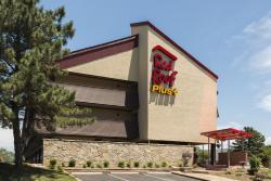 Red Roof Inn Plus St Louis-Forest Park/Hampton Avenue
