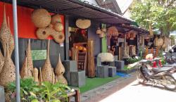 班塔瓦木雕村
