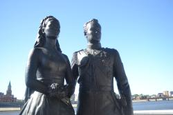 Monument to Honeymooners Grace Kelly and Rainier III