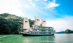 Signature Royal Cruise Halong - Private Day Tour