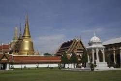 Phra Si Ratana Chedi