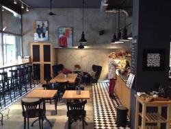 Krucza 23 Cafe