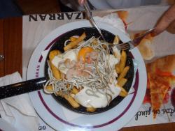 Angulas con huevos y patatas