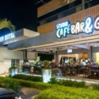 Studio Cafe Bar & Grill