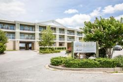 Island Inn and Suites