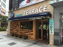Cafe Marine Terrace