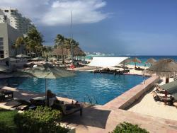 Main Pool and Swim-ip Bar