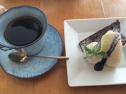 Cafe De Collines