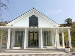 隱田山房白色教堂