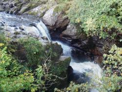 Rumbling Bridge Falls