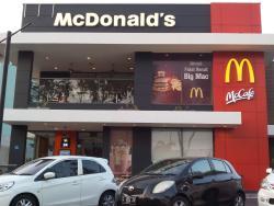 McDonald's Manyar Kertoarjo