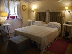 Bedroom - Room 18
