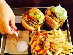 Crycheese Burger