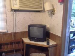 TV & A/C