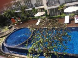HARRIS Hotel Bukit Jimbaran Restaurant