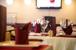 Dolphin Restaurant & Grill
