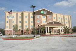 Holiday Inn Express and Suites George West