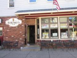 Strunky's Pub