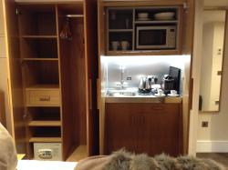 Standard Double Mini-Kitchen & Closet