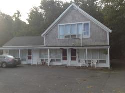 Sesuit Harbor House