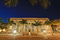 Sidney & Berne Davis Art Center