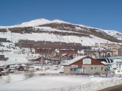 Yes Snowboard & Ski School