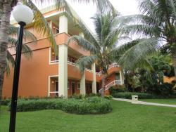A villa containing 15 junior suites