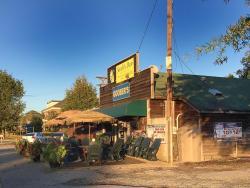 Sardi's Den Restaurant & Lounge
