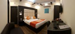OYO 9266 Hotel Kapoor Inn