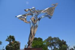 Escultura Por La Paz Mundial