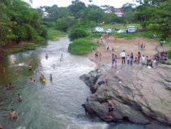 Ponte Sobre o Rio das Almas