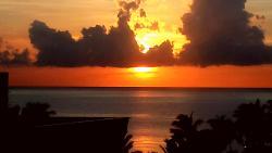 Visu nascer do sol da janela do meu quarto