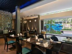 En Vogue Restaurant
