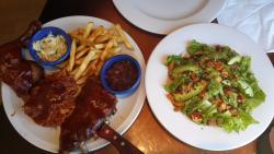El plato que pedimos! Cerdo ahumado con salsa barbacoa