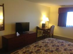 Best Western Plus Cedar Inn & Suites