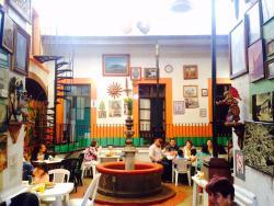 Cafeteria Bisquets