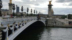 Η Γεφυρα του Αλεξανδρου ΙΙΙ