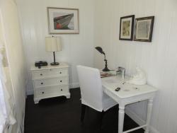 Room 503 - bedroom