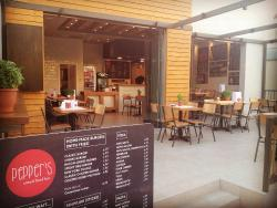 Pepper's Burger & Pizza Bar