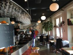 Cafe Vi.2