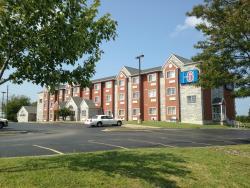 Motel 6 Olathe KS