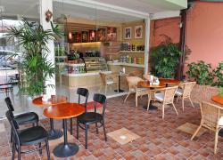 Massaman Café & Restaurant