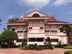 พิพิธภัณฑ์คุ้มวงศ์บุรี