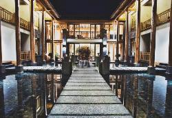 Arro Khampa Lijiang by Zinc Journey