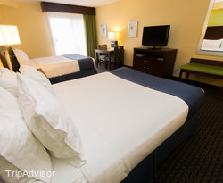 The Double Queen Room (Ocean Front) at the Holiday Inn Hotel & Suites Daytona Beach