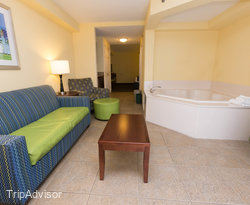 The Jacuzzi Suite at the Holiday Inn Hotel & Suites Daytona Beach