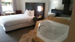 秋溪套房酒店