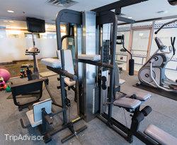 Fitness Center at the Coast Victoria Harbourside Hotel & Marina